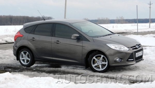 Ford Focus на дисках Replica Ford F2016