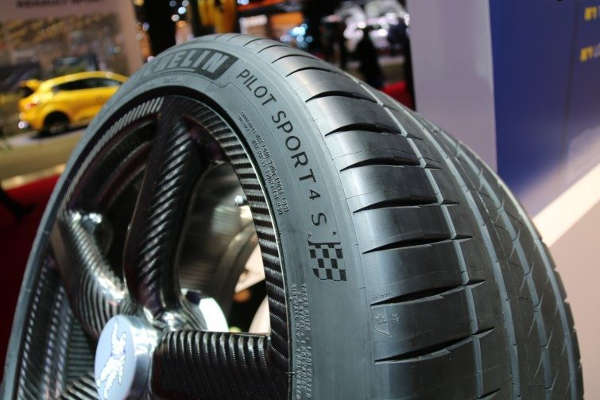 Michelin Pilot Sport 4 S дебютировал на Детройтском автосалоне